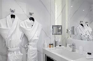Salle-de-bain-Chambre-Deluxe-La-Villa-Haussmann-Paris