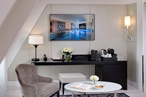 Salon-Junior-Suite-La-Villa-Haussmann-Hotel-Paris-8
